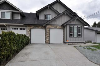 Photo 1: 33590 2ND Avenue in Mission: Mission BC House for sale : MLS®# R2253185
