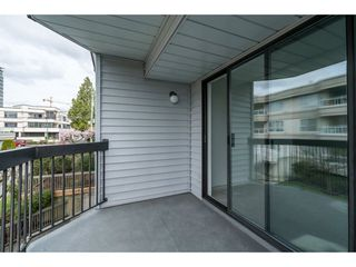 "Photo 18: 204 15290 THRIFT Avenue: White Rock Condo for sale in ""Windermere"" (South Surrey White Rock)  : MLS®# R2254870"