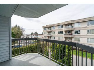 "Photo 19: 204 15290 THRIFT Avenue: White Rock Condo for sale in ""Windermere"" (South Surrey White Rock)  : MLS®# R2254870"