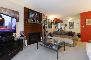 "Photo 3: 105 341 W 3RD Street in North Vancouver: Lower Lonsdale Condo for sale in ""Lisa Place"" : MLS®# R2263483"