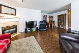 "Photo 3: 38 23560 119 Avenue in Maple Ridge: Cottonwood MR Townhouse for sale in ""Holly Hock"" : MLS®# R2273557"