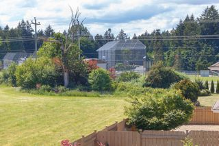 Photo 18: 10 1893 Prosser Rd in : CS Saanichton Row/Townhouse for sale (Central Saanich)  : MLS®# 789357