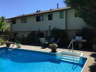 """Photo 11: 5950 ANGUS Place in Surrey: Cloverdale BC House for sale in """"Jersey Hills"""" (Cloverdale)  : MLS®# R2281037"""