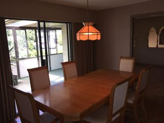 """Photo 2: 5950 ANGUS Place in Surrey: Cloverdale BC House for sale in """"Jersey Hills"""" (Cloverdale)  : MLS®# R2281037"""