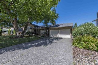 Photo 1: 45161 INSLEY Avenue in Sardis: Sardis West Vedder Rd House for sale : MLS®# R2289301