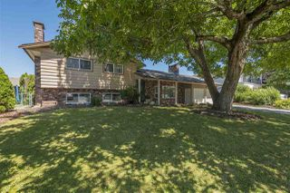 Photo 2: 45161 INSLEY Avenue in Sardis: Sardis West Vedder Rd House for sale : MLS®# R2289301