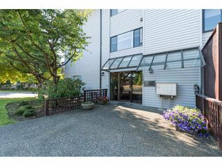 "Photo 2: 104 15290 THRIFT Avenue: White Rock Condo for sale in ""WINDERMERE"" (South Surrey White Rock)  : MLS®# R2293238"