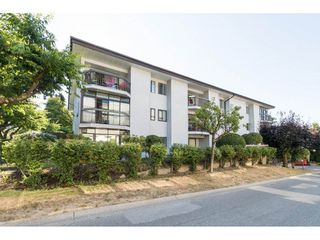"Photo 1: 104 15290 THRIFT Avenue: White Rock Condo for sale in ""WINDERMERE"" (South Surrey White Rock)  : MLS®# R2293238"