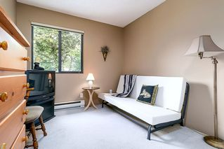 """Photo 13: 1057 LOMBARDY Drive in Port Coquitlam: Lincoln Park PQ House 1/2 Duplex for sale in """"LINCOLN PARK"""" : MLS®# R2305959"""