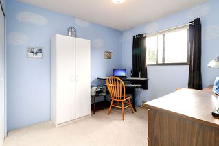 """Photo 12: 1057 LOMBARDY Drive in Port Coquitlam: Lincoln Park PQ House 1/2 Duplex for sale in """"LINCOLN PARK"""" : MLS®# R2305959"""