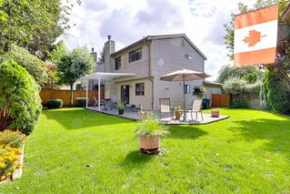 """Photo 19: 1057 LOMBARDY Drive in Port Coquitlam: Lincoln Park PQ House 1/2 Duplex for sale in """"LINCOLN PARK"""" : MLS®# R2305959"""