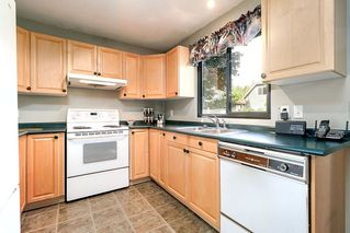 """Photo 9: 1057 LOMBARDY Drive in Port Coquitlam: Lincoln Park PQ House 1/2 Duplex for sale in """"LINCOLN PARK"""" : MLS®# R2305959"""