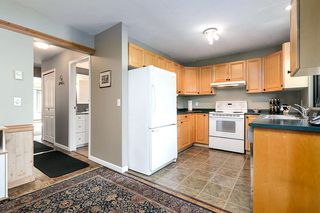 """Photo 7: 1057 LOMBARDY Drive in Port Coquitlam: Lincoln Park PQ House 1/2 Duplex for sale in """"LINCOLN PARK"""" : MLS®# R2305959"""