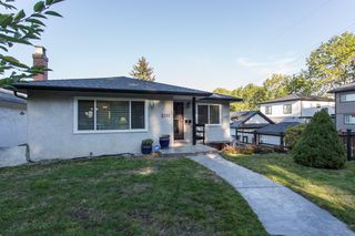 Main Photo: 2191 VANNESS Avenue in Vancouver: Grandview VE House for sale (Vancouver East)  : MLS®# R2315803