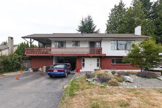 "Photo 2: 5775 16 Avenue in Delta: Beach Grove House for sale in ""Beach Grove"" (Tsawwassen)  : MLS®# R2317249"