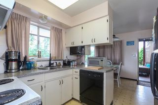 "Photo 9: 5775 16 Avenue in Delta: Beach Grove House for sale in ""Beach Grove"" (Tsawwassen)  : MLS®# R2317249"