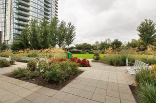 "Photo 20: 301 2225 HOLDOM Avenue in Burnaby: Central BN Condo for sale in ""LEGACY TOWERS"" (Burnaby North)  : MLS®# R2329994"