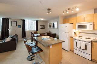 "Photo 4: 301 2225 HOLDOM Avenue in Burnaby: Central BN Condo for sale in ""LEGACY TOWERS"" (Burnaby North)  : MLS®# R2329994"