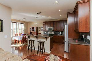 Photo 4: 1335 KAPYONG Avenue in Edmonton: Zone 27 House for sale : MLS®# E4139572