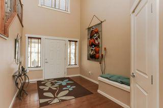 Photo 2: 1335 KAPYONG Avenue in Edmonton: Zone 27 House for sale : MLS®# E4139572