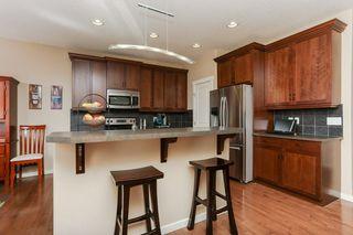Photo 5: 1335 KAPYONG Avenue in Edmonton: Zone 27 House for sale : MLS®# E4139572