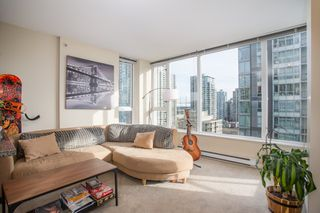 "Photo 2: 1204 1001 RICHARDS Street in Vancouver: Downtown VW Condo for sale in ""MIRO"" (Vancouver West)  : MLS®# R2332215"