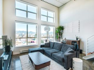 "Main Photo: 402 338 W 8TH Avenue in Vancouver: Mount Pleasant VW Condo for sale in ""Loft 338"" (Vancouver West)  : MLS®# R2337580"