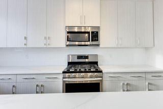 Photo 4: 10518 76 Street in Edmonton: Zone 19 House Half Duplex for sale : MLS®# E4142876