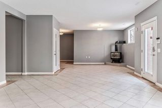 Photo 20: 602 SIERRA MADRE Court SW in Calgary: Signal Hill Detached for sale : MLS®# C4226468