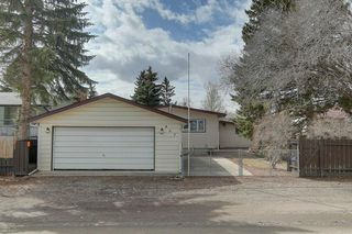 Photo 31: 467 QUEENSLAND Circle SE in Calgary: Queensland Detached for sale : MLS®# C4236793