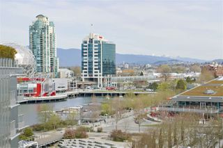 "Photo 12: 708 1616 COLUMBIA Street in Vancouver: False Creek Condo for sale in ""THE BRIDGE"" (Vancouver West)  : MLS®# R2356931"