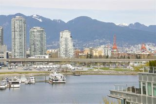 "Photo 5: 708 1616 COLUMBIA Street in Vancouver: False Creek Condo for sale in ""THE BRIDGE"" (Vancouver West)  : MLS®# R2356931"