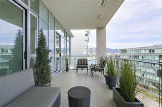 "Photo 11: 708 1616 COLUMBIA Street in Vancouver: False Creek Condo for sale in ""THE BRIDGE"" (Vancouver West)  : MLS®# R2356931"