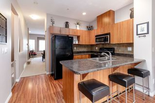 """Photo 3: 25 1055 RIVERWOOD Gate in Port Coquitlam: Riverwood Townhouse for sale in """"MOUNTAIN VIEW ESTATES"""" : MLS®# R2368988"""