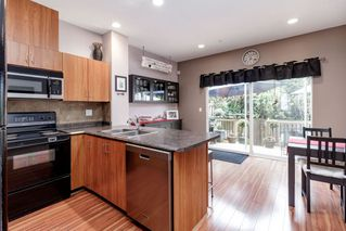 """Photo 2: 25 1055 RIVERWOOD Gate in Port Coquitlam: Riverwood Townhouse for sale in """"MOUNTAIN VIEW ESTATES"""" : MLS®# R2368988"""
