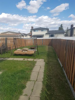 Photo 3: 16019 100 Street in Edmonton: Zone 27 House Half Duplex for sale : MLS®# E4156780