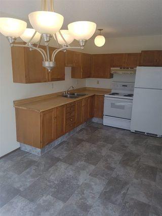 Photo 12: 16019 100 Street in Edmonton: Zone 27 House Half Duplex for sale : MLS®# E4156780