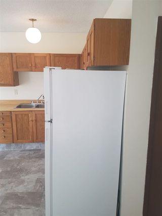Photo 10: 16019 100 Street in Edmonton: Zone 27 House Half Duplex for sale : MLS®# E4156780