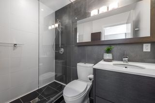 """Photo 11: PH 2702 161 W GEORGIA Street in Vancouver: Downtown VW Condo for sale in """"COSMO BY CONCORD PACIFIC"""" (Vancouver West)  : MLS®# R2378643"""