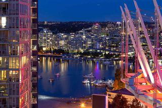 """Photo 17: PH 2702 161 W GEORGIA Street in Vancouver: Downtown VW Condo for sale in """"COSMO BY CONCORD PACIFIC"""" (Vancouver West)  : MLS®# R2378643"""
