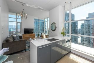 """Photo 5: PH 2702 161 W GEORGIA Street in Vancouver: Downtown VW Condo for sale in """"COSMO BY CONCORD PACIFIC"""" (Vancouver West)  : MLS®# R2378643"""