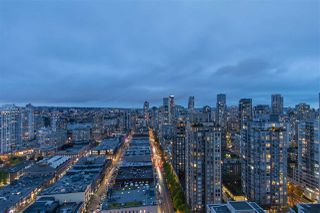 "Photo 1: 3001 928 HOMER Street in Vancouver: Yaletown Condo for sale in ""YALETOWN PARK 1"" (Vancouver West)  : MLS®# R2387487"