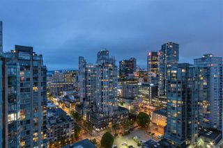 "Photo 5: 3001 928 HOMER Street in Vancouver: Yaletown Condo for sale in ""YALETOWN PARK 1"" (Vancouver West)  : MLS®# R2387487"