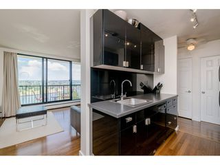 """Photo 5: 1105 1330 HARWOOD Street in Vancouver: West End VW Condo for sale in """"WESTSEA TOWERS"""" (Vancouver West)  : MLS®# R2388621"""