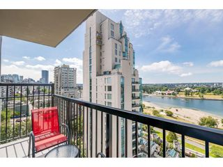 """Photo 10: 1105 1330 HARWOOD Street in Vancouver: West End VW Condo for sale in """"WESTSEA TOWERS"""" (Vancouver West)  : MLS®# R2388621"""