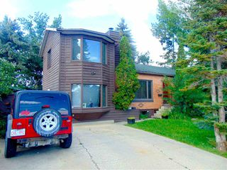 Photo 2: 11026 110 Avenue in Edmonton: Zone 08 House for sale : MLS®# E4168139