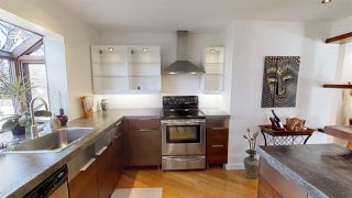 Photo 5: 11026 110 Avenue in Edmonton: Zone 08 House for sale : MLS®# E4168139