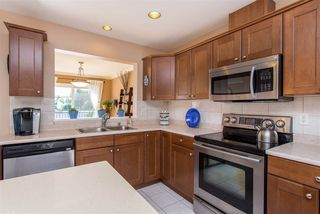 """Photo 4: 3 46568 FIRST Avenue in Chilliwack: Chilliwack E Young-Yale Townhouse for sale in """"Bristol Place"""" : MLS®# R2396875"""