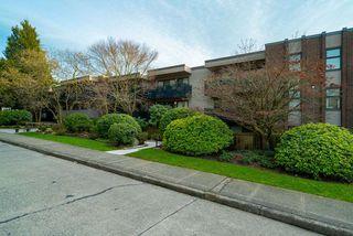 "Photo 15: 303 2416 W 3RD Avenue in Vancouver: Kitsilano Condo for sale in ""Landmark Reef"" (Vancouver West)  : MLS®# R2435957"