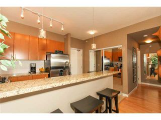 """Photo 6: 506 14 E ROYAL Avenue in New Westminster: Fraserview NW Condo for sale in """"VICTORIA HILL"""" : MLS®# R2526289"""